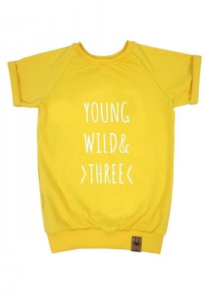 "Geburtstags-T-Shirt gelb ""Young, wild and three"""