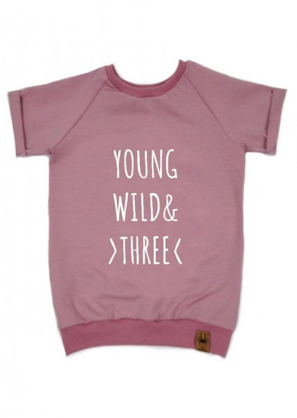 """Geburtstags-T-Shirt altrosa """"Young, wild and three"""""""