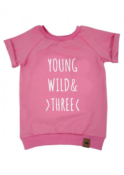 "Geburtstags-T-Shirt rosa ""Young, wild and three"""